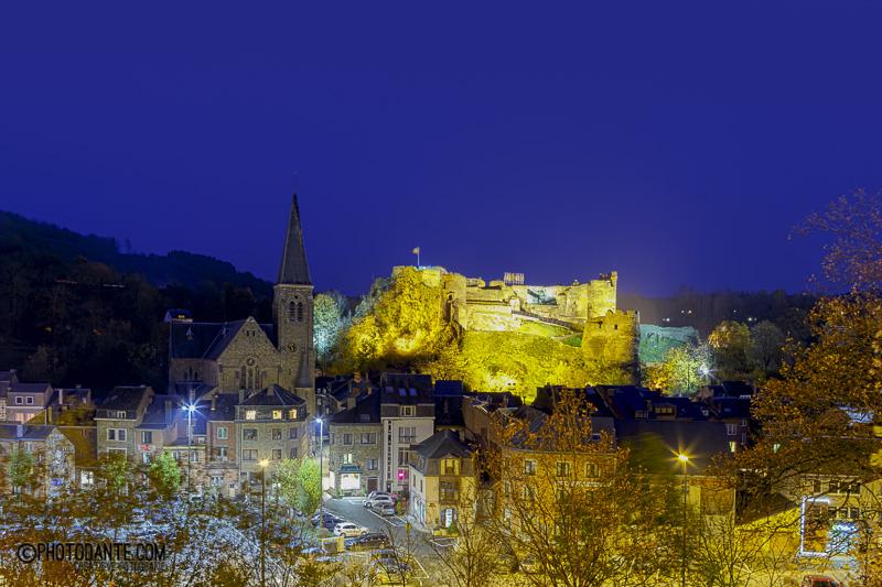 Nachtfoto kasteel van La Roche-en-Ardenne.